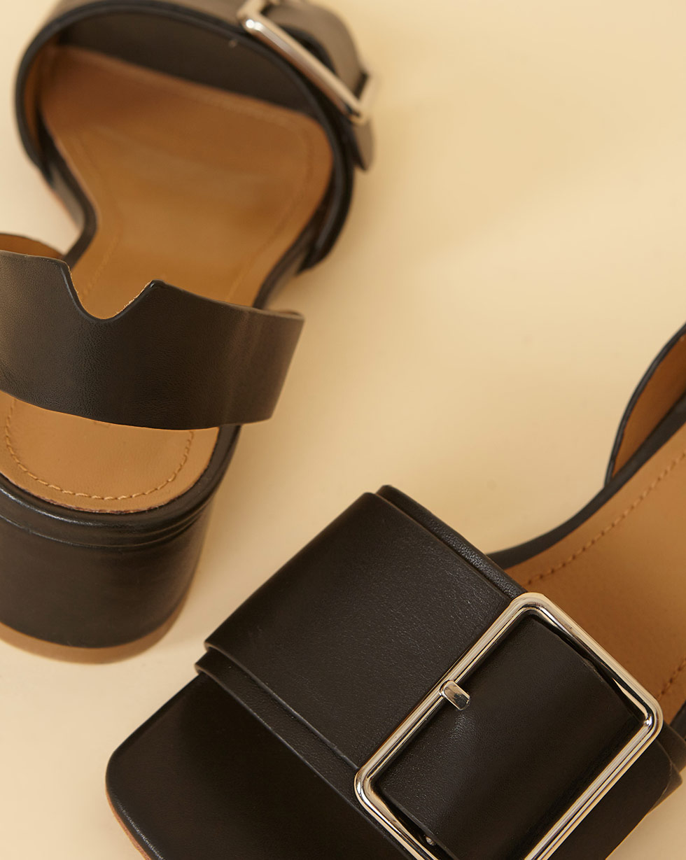 12⠀STOREEZ Сандалии на каблуке с пряжкой 12⠀storeez сандалии с перемычкой