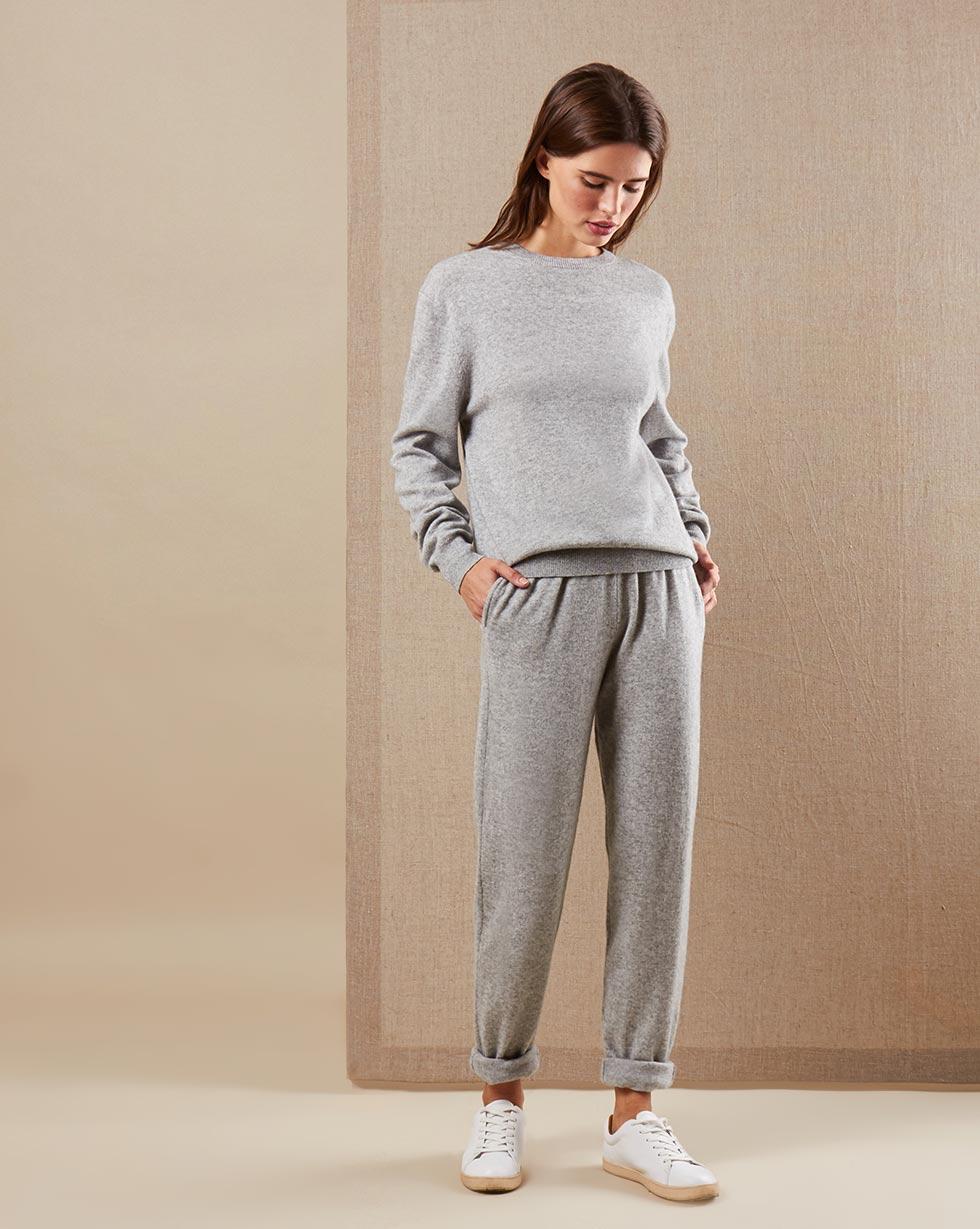 12STOREEZ Костюм: свитер и брюки на завязках 12storeez костюм кардиган и брюки тонкой вязки из шерсти и кашемира черный