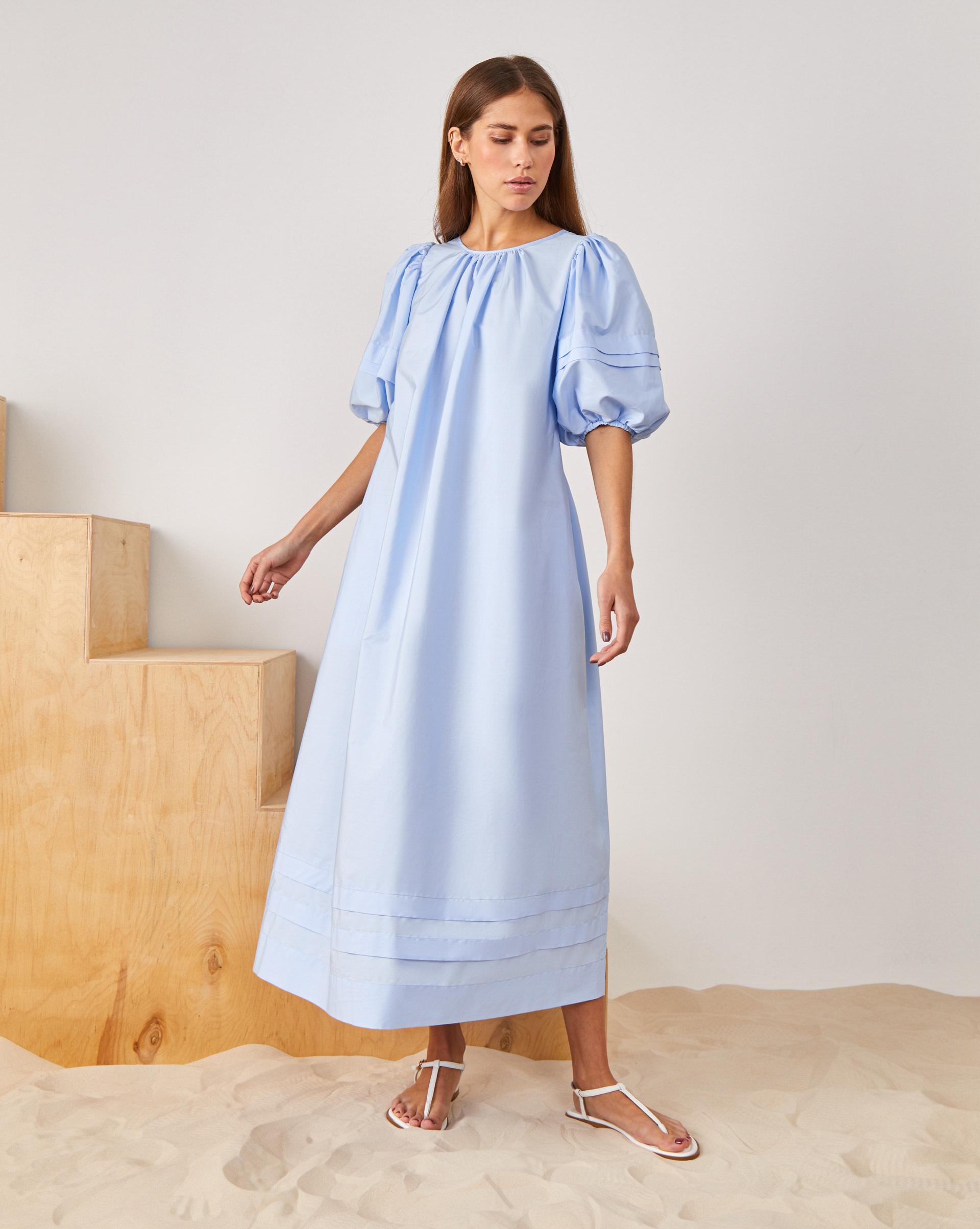 Платье на завязках с открытой спиной фото
